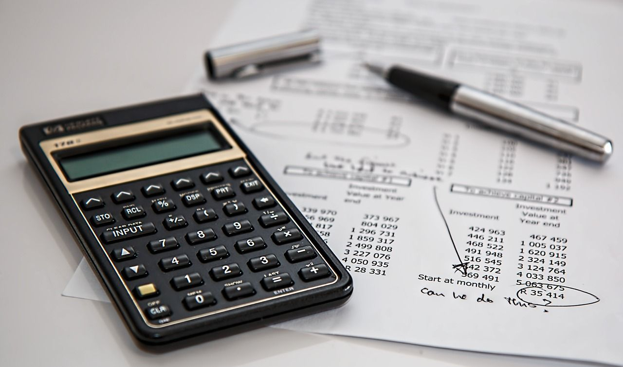 Does refinancing hurt your credit score